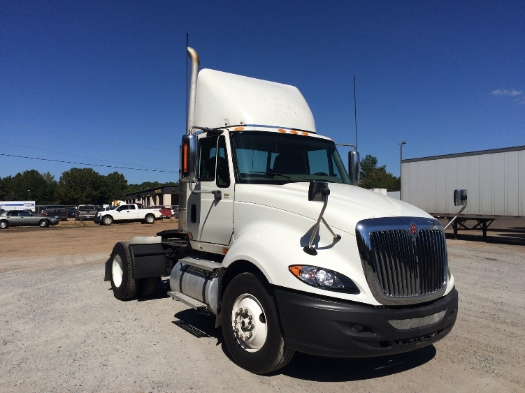 Used Day Cab Tractors For Sale in MS - Penske Used Trucks