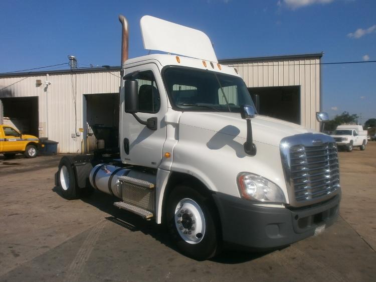 Day Cab Tractor-Heavy Duty Tractors-Freightliner-2011-Cascadia 12542ST-BELDEN-MS-344,632 miles-$44,500