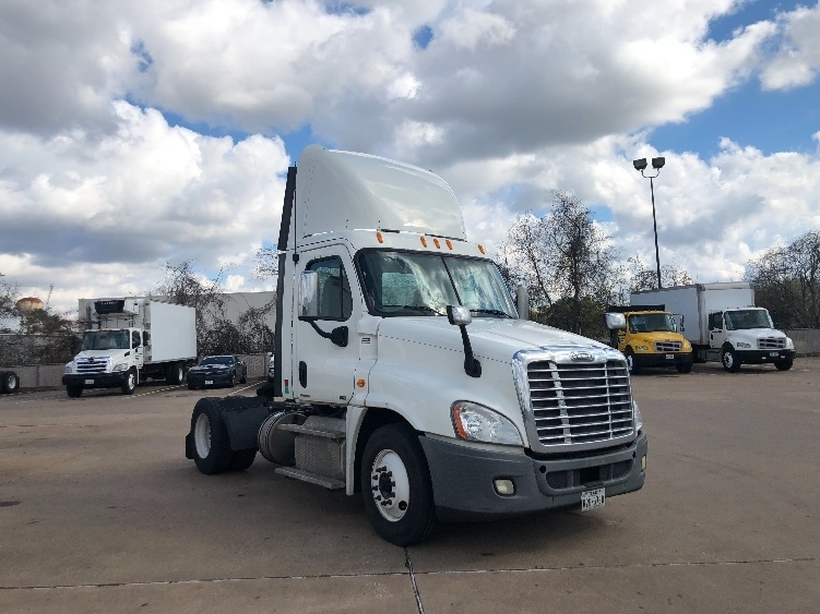 Day Cab Tractor-Heavy Duty Tractors-Freightliner-2011-Cascadia 12542ST-HOUSTON-TX-174,695 miles-$38,000