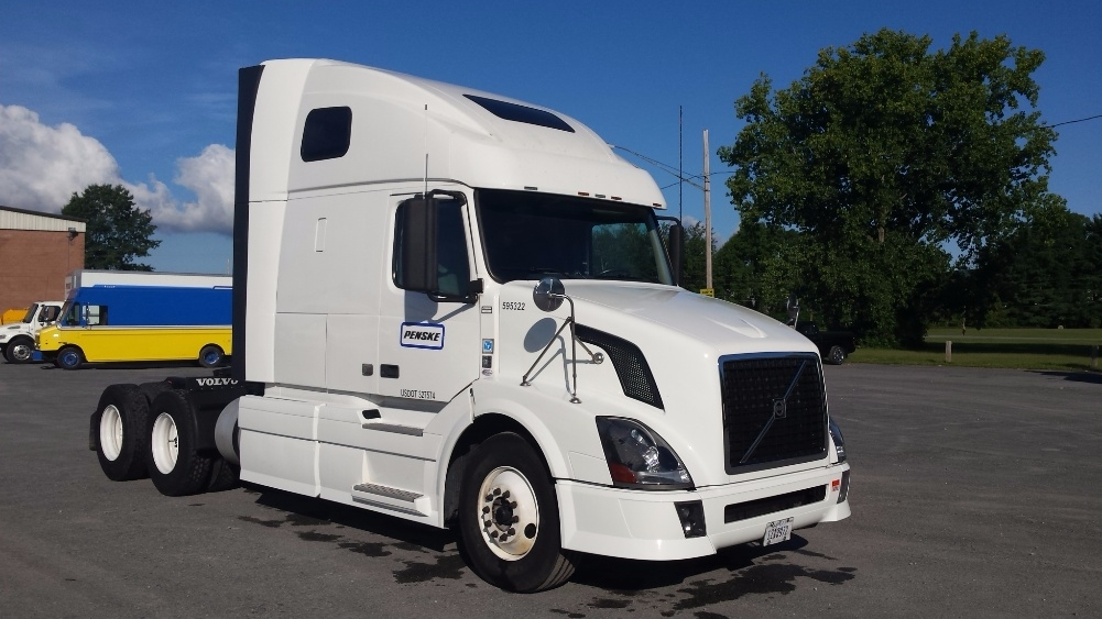 Sleeper Tractor-Heavy Duty Tractors-Volvo-2011-VNL64T670-SCARBOROUGH-ME-559,961 miles-$30,250