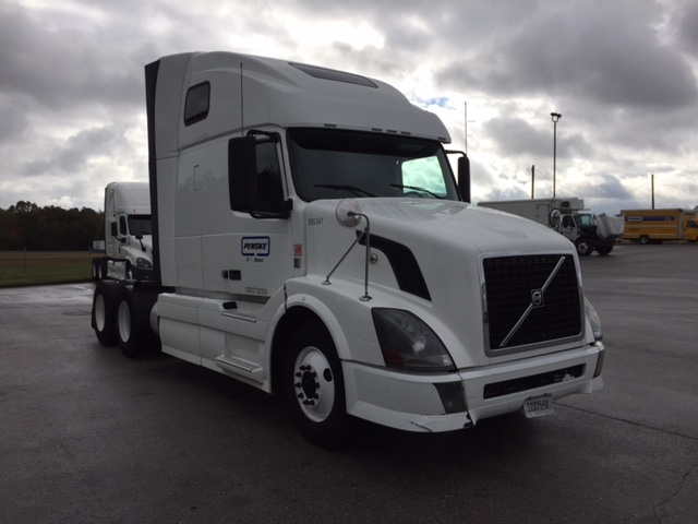 Sleeper Tractor-Heavy Duty Tractors-Volvo-2011-VNL64T670-CAPITOL HEIGHTS-MD-564,339 miles-$32,750