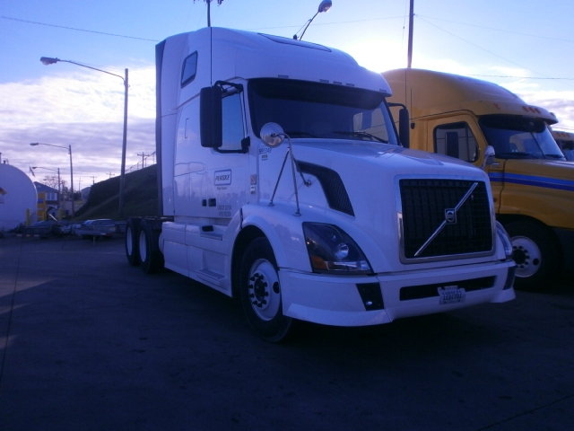 Sleeper Tractor-Heavy Duty Tractors-Volvo-2011-VNL64T670-NASHVILLE-TN-506,889 miles-$29,750