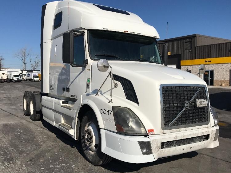 Sleeper Tractor-Heavy Duty Tractors-Volvo-2011-VNL64T670-BUFFALO-NY-549,245 miles-$33,000