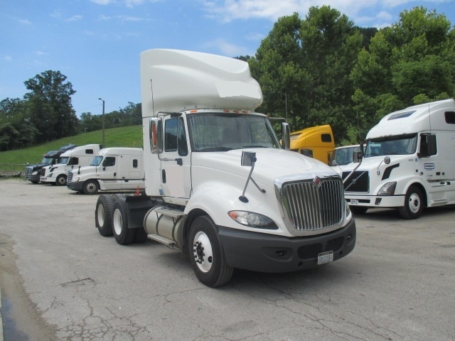 Day Cab Tractor-Heavy Duty Tractors-International-2011-ProStar-HUNTINGTON-WV-365,500 miles-$37,000