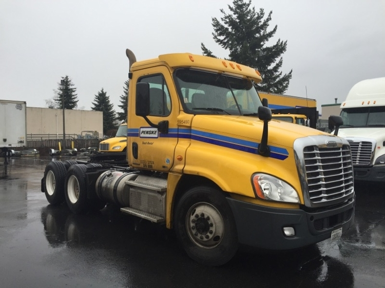 Day Cab Tractor-Heavy Duty Tractors-Freightliner-2011-Cascadia 12564ST-TACOMA-WA-323,099 miles-$31,250