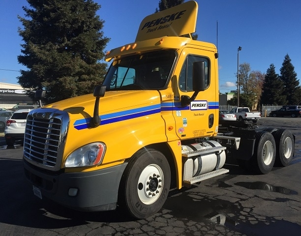 Day Cab Tractor-Heavy Duty Tractors-Freightliner-2011-Cascadia 12564ST-WILSONVILLE-OR-330,148 miles-$43,500