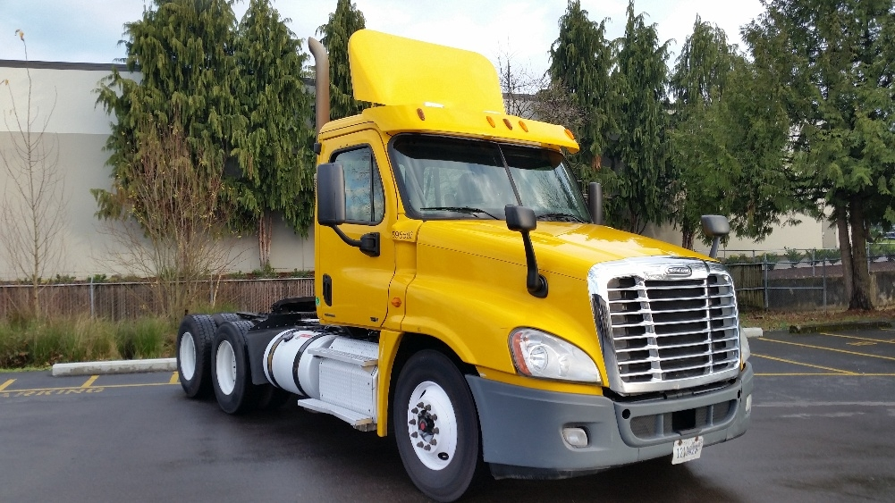 Day Cab Tractor-Heavy Duty Tractors-Freightliner-2011-Cascadia 12564ST-WILSONVILLE-OR-512,405 miles-$28,000