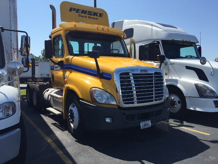 Day Cab Tractor-Heavy Duty Tractors-Freightliner-2011-Cascadia 12564ST-WEST COLUMBIA-SC-434,552 miles-$33,000