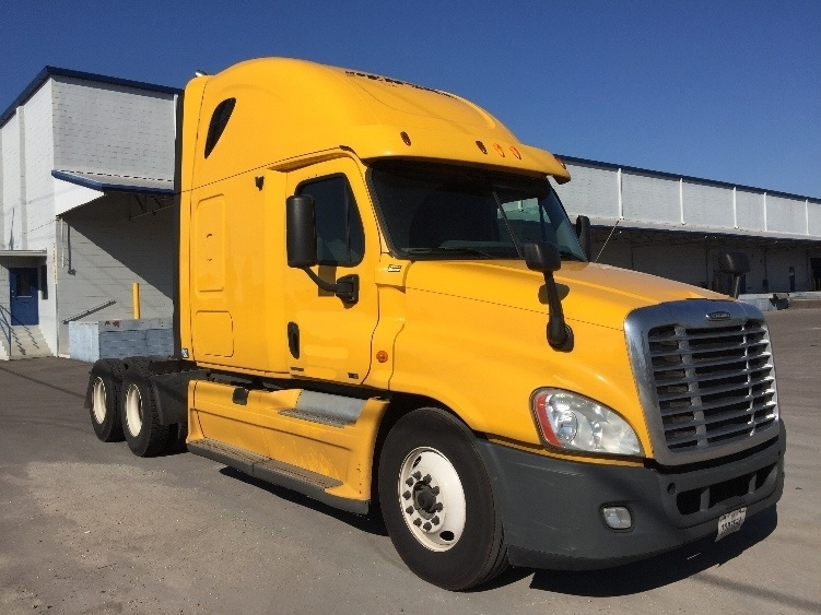 Sleeper Tractor-Heavy Duty Tractors-Freightliner-2011-Cascadia 12564ST-TAMPA-FL-572,428 miles-$32,750