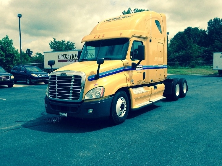Sleeper Tractor-Heavy Duty Tractors-Freightliner-2011-Cascadia 12564ST-WINSTON SALEM-NC-504,672 miles-$35,750