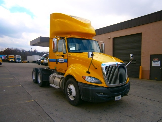 Day Cab Tractor-Heavy Duty Tractors-International-2011-ProStar-WILKES BARRE-PA-377,709 miles-$22,500