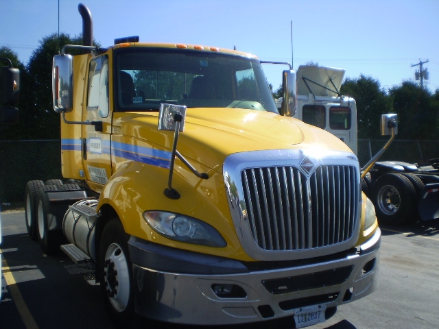 Day Cab Tractor-Heavy Duty Tractors-International-2011-ProStar-CHICOPEE-MA-375,280 miles-$19,000