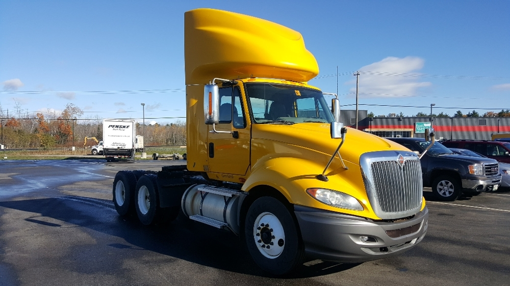 Day Cab Tractor-Heavy Duty Tractors-International-2011-ProStar-SCARBOROUGH-ME-304,072 miles-$32,250