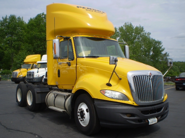 Day Cab Tractor-Heavy Duty Tractors-International-2011-ProStar-EAST WINDSOR-CT-397,372 miles-$27,000