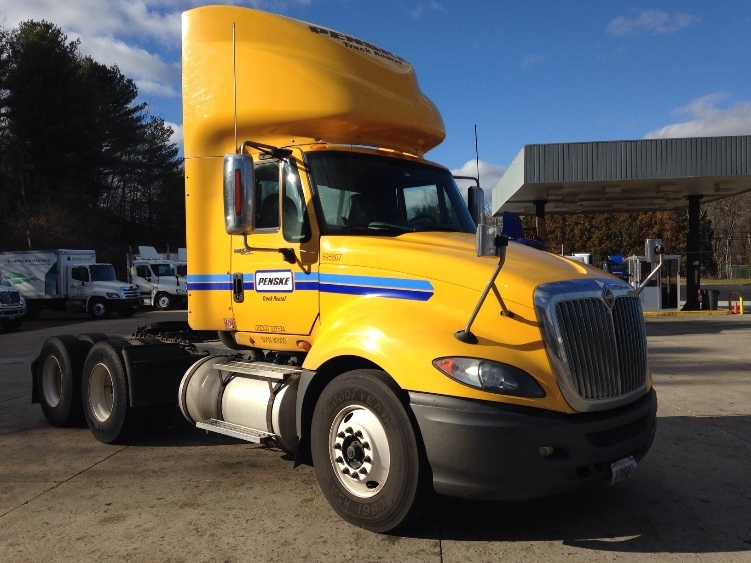 Day Cab Tractor-Heavy Duty Tractors-International-2011-ProStar-FRAMINGHAM-MA-304,555 miles-$26,500