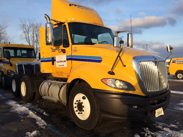 Day Cab Tractor-Heavy Duty Tractors-International-2011-ProStar-ROMEOVILLE-IL-302,877 miles-$30,000