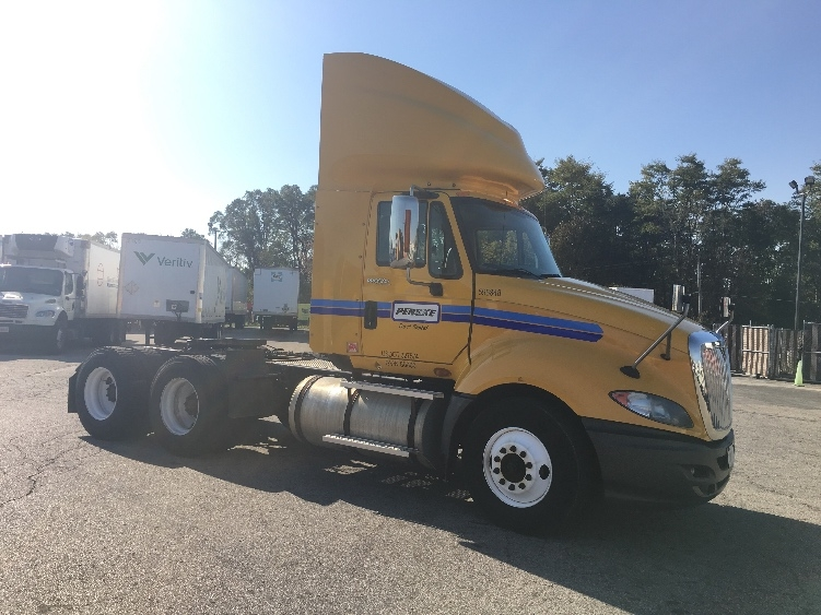 Day Cab Tractor-Heavy Duty Tractors-International-2011-ProStar-ELK GROVE VILLAGE-IL-367,381 miles-$29,000