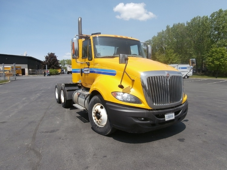 Day Cab Tractor-Heavy Duty Tractors-International-2011-ProStar-ROCHESTER-NY-329,405 miles-$22,000
