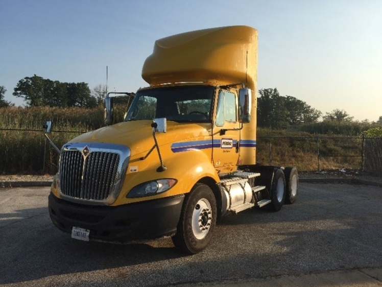 Day Cab Tractor-Heavy Duty Tractors-International-2011-ProStar-NEW CASTLE-DE-330,559 miles-$28,000