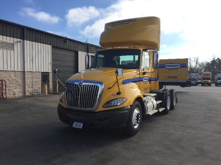 Day Cab Tractor-Heavy Duty Tractors-International-2011-ProStar-TULSA-OK-302,169 miles-$35,250