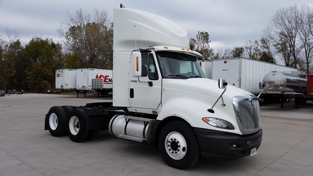 Day Cab Tractor-Heavy Duty Tractors-International-2011-ProStar-DES MOINES-IA-385,184 miles-$35,250