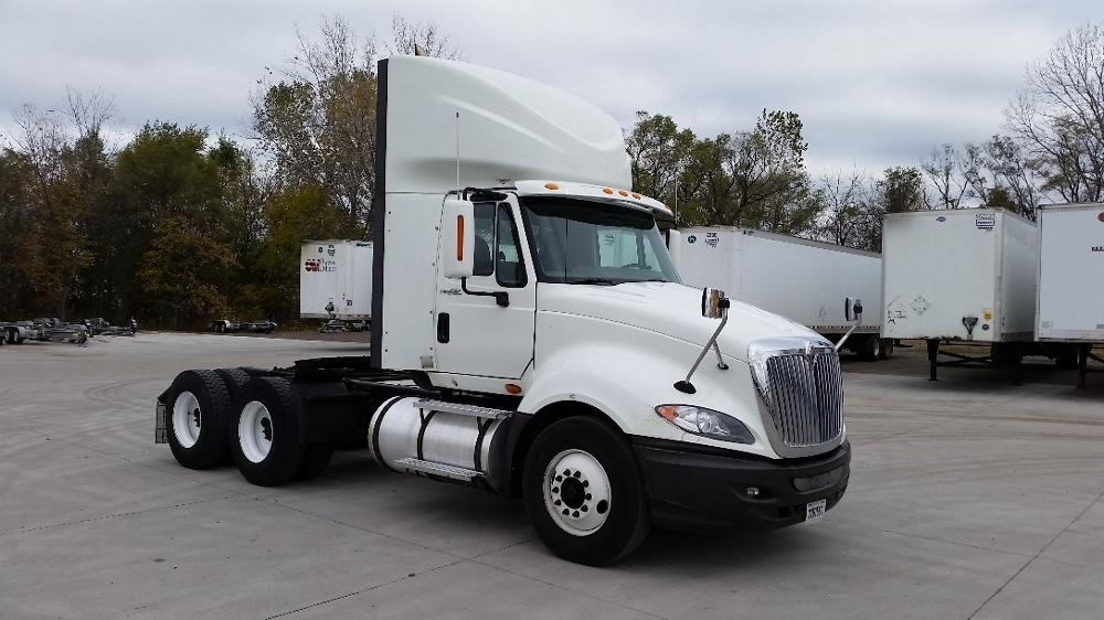 Day Cab Tractor-Heavy Duty Tractors-International-2011-ProStar-DES MOINES-IA-584,932 miles-$29,500