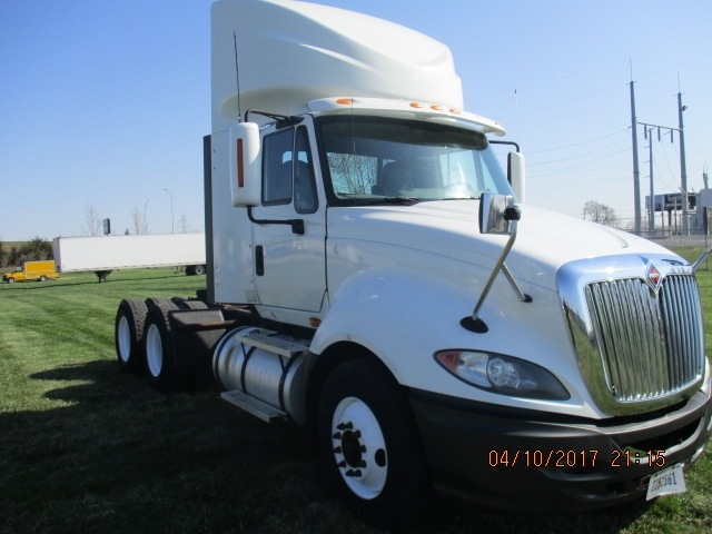 Day Cab Tractor-Heavy Duty Tractors-International-2011-ProStar-DES MOINES-IA-552,781 miles-$29,500