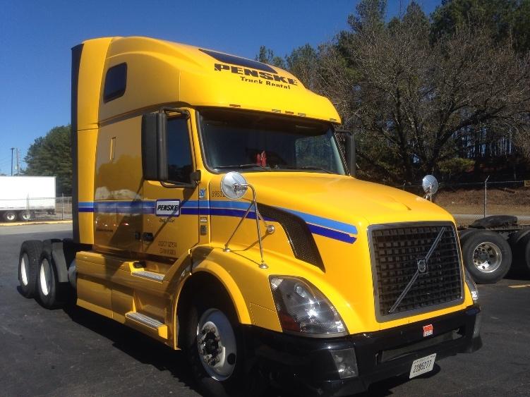Sleeper Tractor-Heavy Duty Tractors-Volvo-2011-VNL64T670-NORCROSS-GA-540,093 miles-$25,000