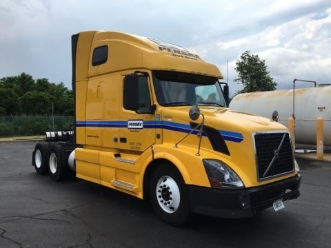 Sleeper Tractor-Heavy Duty Tractors-Volvo-2011-VNL64T670-NEW CASTLE-DE-415,593 miles-$27,750