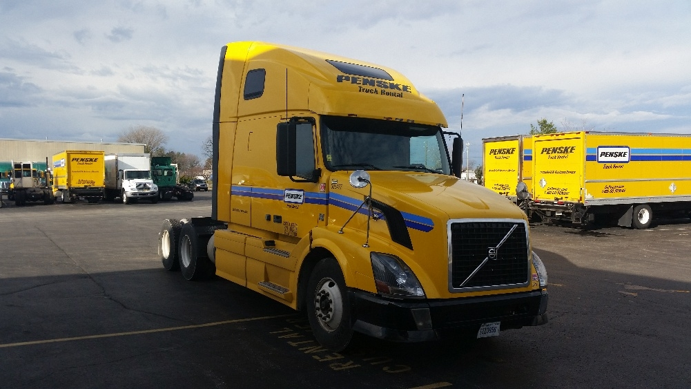 Sleeper Tractor-Heavy Duty Tractors-Volvo-2011-VNL64T670-INDIANAPOLIS-IN-479,359 miles-$24,000