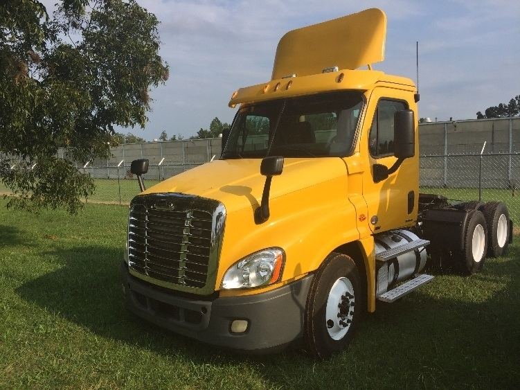 Day Cab Tractor-Heavy Duty Tractors-Freightliner-2011-Cascadia 12564ST-MEBANE-NC-437,130 miles-$30,500