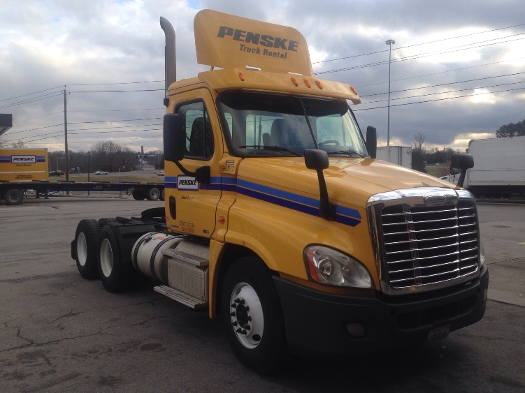 Day Cab Tractor-Heavy Duty Tractors-Freightliner-2011-Cascadia 12564ST-ERLANGER-KY-481,138 miles-$26,500