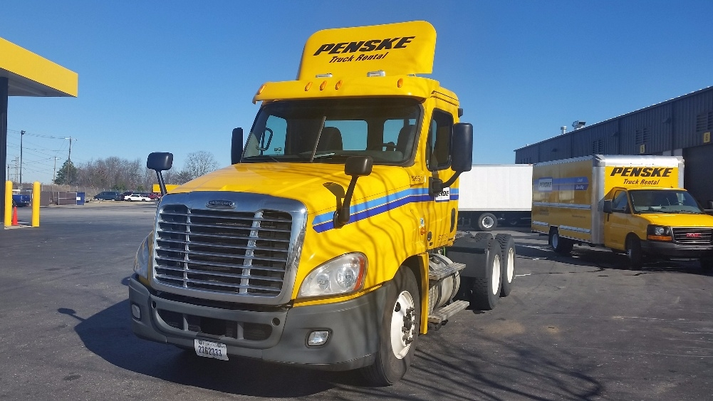 Day Cab Tractor-Heavy Duty Tractors-Freightliner-2011-Cascadia 12564ST-GREENVILLE-SC-461,267 miles-$32,750