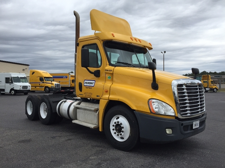Day Cab Tractor-Heavy Duty Tractors-Freightliner-2011-Cascadia 12564ST-WEST COLUMBIA-SC-507,164 miles-$24,000