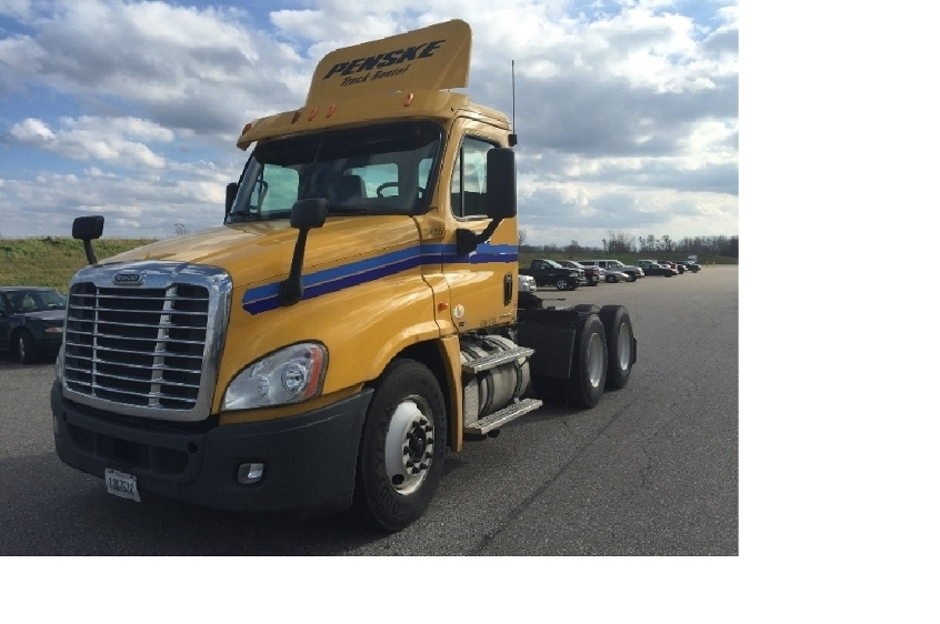 Day Cab Tractor-Heavy Duty Tractors-Freightliner-2011-Cascadia 12564ST-LANSING-MI-543,156 miles-$23,750