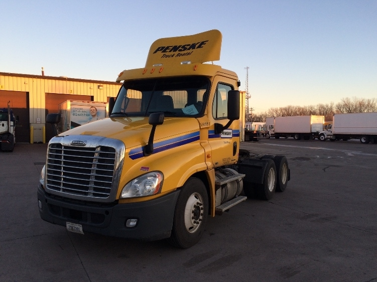 Day Cab Tractor-Heavy Duty Tractors-Freightliner-2011-Cascadia 12564ST-ROSEVILLE-MN-280,151 miles-$39,750
