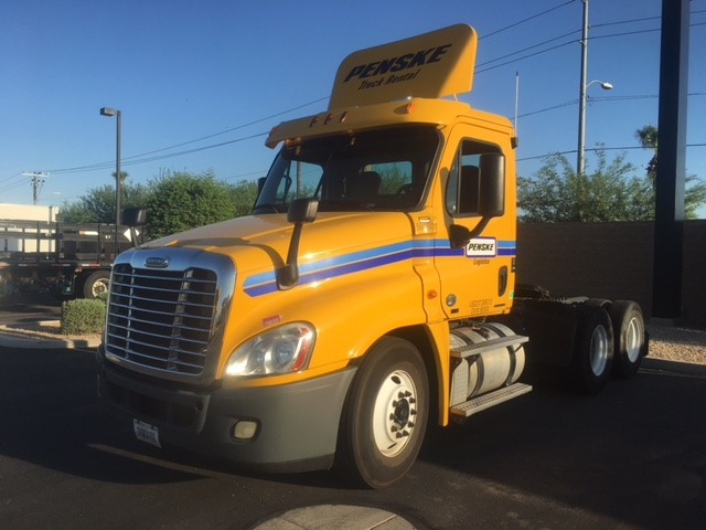 Day Cab Tractor-Heavy Duty Tractors-Freightliner-2011-Cascadia 12564ST-PHOENIX-AZ-428,300 miles-$35,750