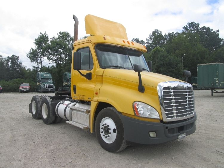 Day Cab Tractor-Heavy Duty Tractors-Freightliner-2011-Cascadia 12564ST-HOUSTON-MS-294,753 miles-$31,750