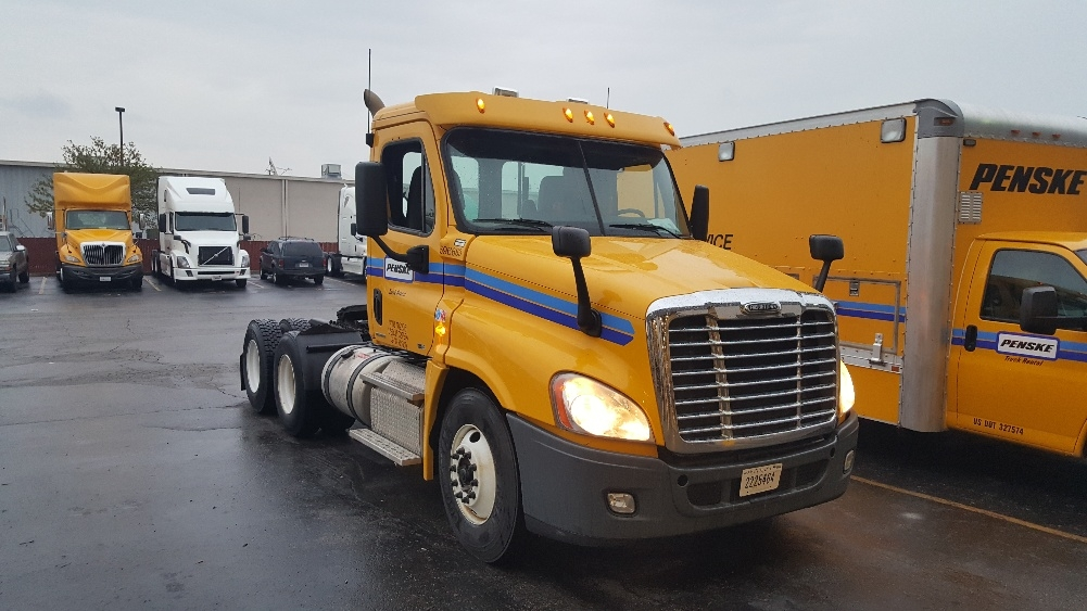 Day Cab Tractor-Heavy Duty Tractors-Freightliner-2011-Cascadia 12564ST-PERRYSBURG-OH-379,801 miles-$13,750