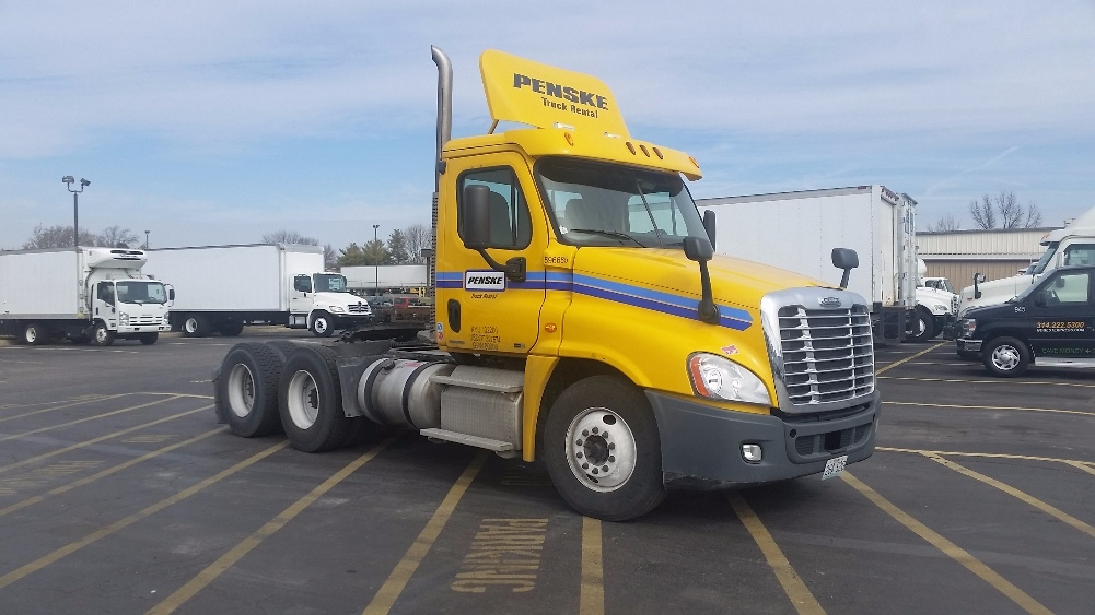 Day Cab Tractor-Heavy Duty Tractors-Freightliner-2011-Cascadia 12564ST-EARTH CITY-MO-350,539 miles-$37,750