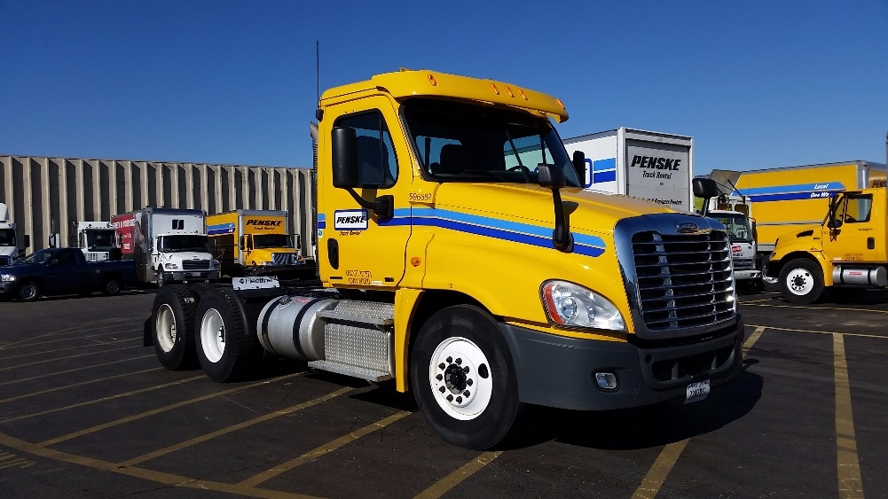 Day Cab Tractor-Heavy Duty Tractors-Freightliner-2011-Cascadia 12564ST-EARTH CITY-MO-406,363 miles-$31,750