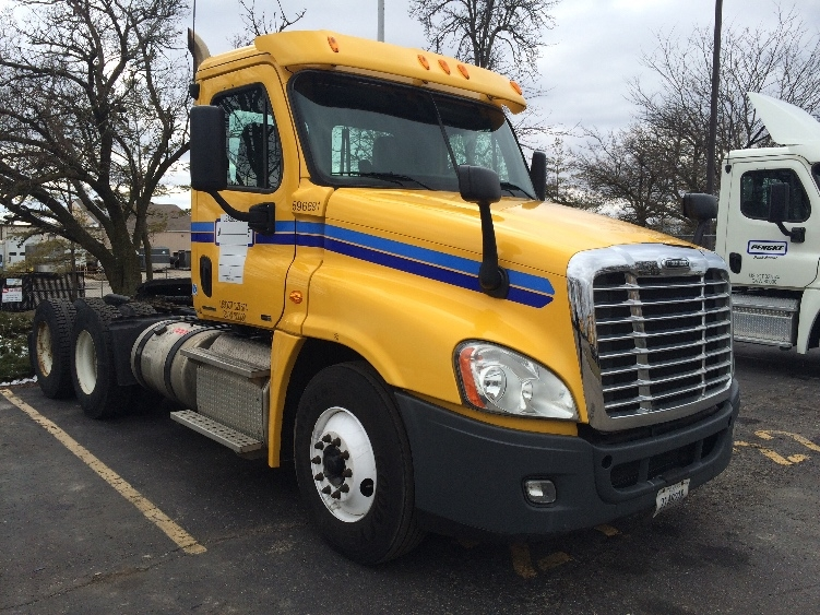 Day Cab Tractor-Heavy Duty Tractors-Freightliner-2011-Cascadia 12564ST-INDIANAPOLIS-IN-468,659 miles-$26,250