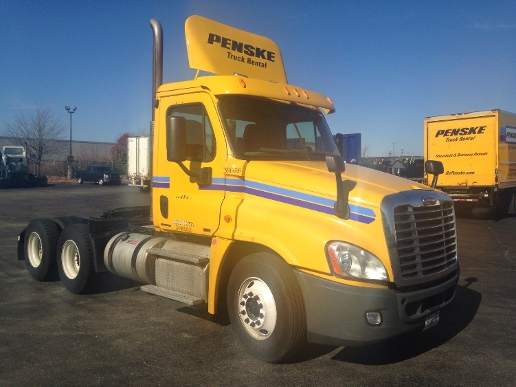 Day Cab Tractor-Heavy Duty Tractors-Freightliner-2011-Cascadia 12564ST-INDIANAPOLIS-IN-572,496 miles-$23,250