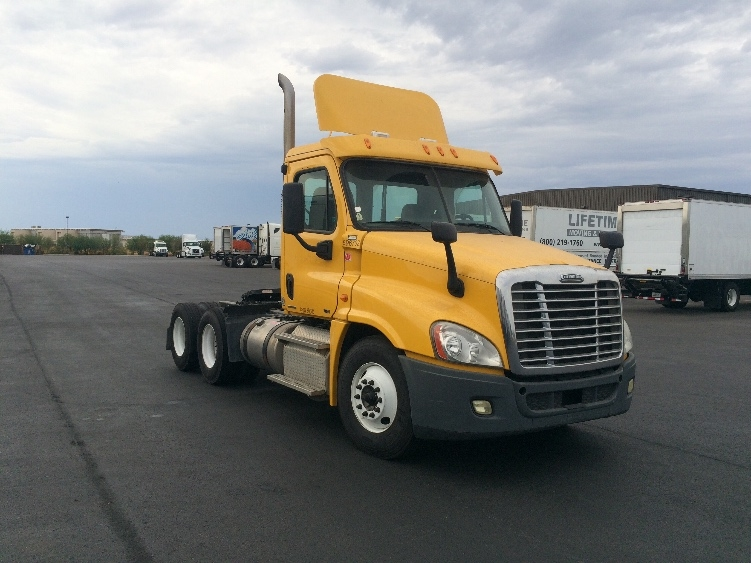 Day Cab Tractor-Heavy Duty Tractors-Freightliner-2011-Cascadia 12564ST-PHOENIX-AZ-247,594 miles-$48,000