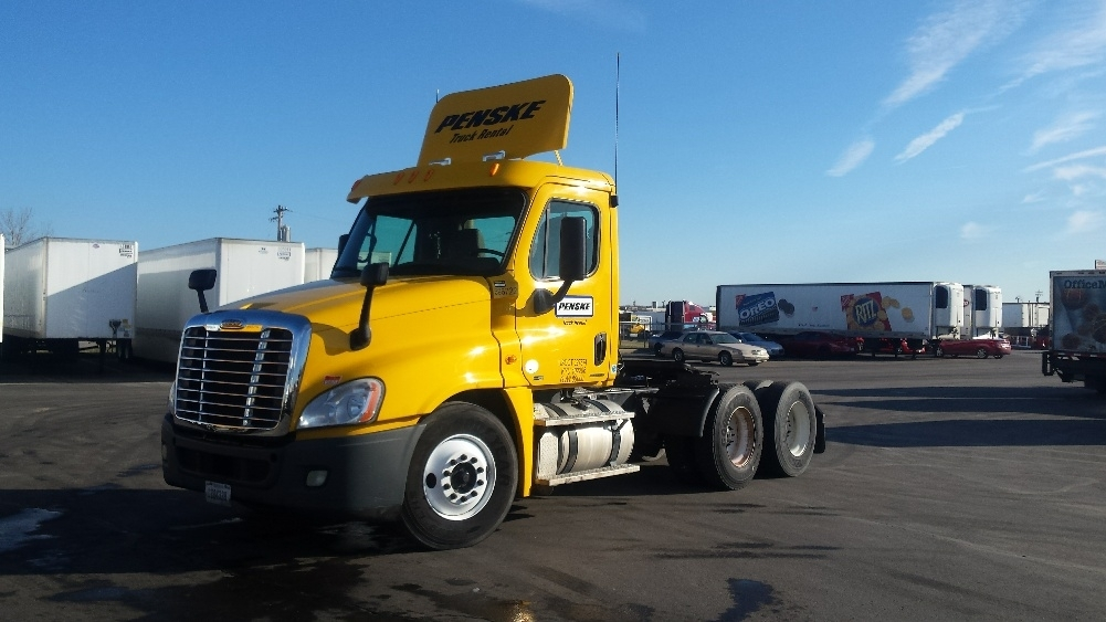 Day Cab Tractor-Heavy Duty Tractors-Freightliner-2011-Cascadia 12564ST-ERLANGER-KY-337,520 miles-$27,000