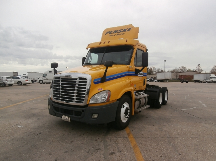 Day Cab Tractor-Heavy Duty Tractors-Freightliner-2011-Cascadia 12564ST-HAMMOND-LA-501,948 miles-$32,000