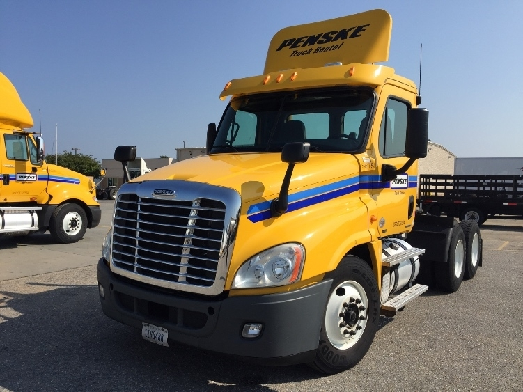 Day Cab Tractor-Heavy Duty Tractors-Freightliner-2011-Cascadia 12564ST-BIRMINGHAM-AL-598,624 miles-$29,750