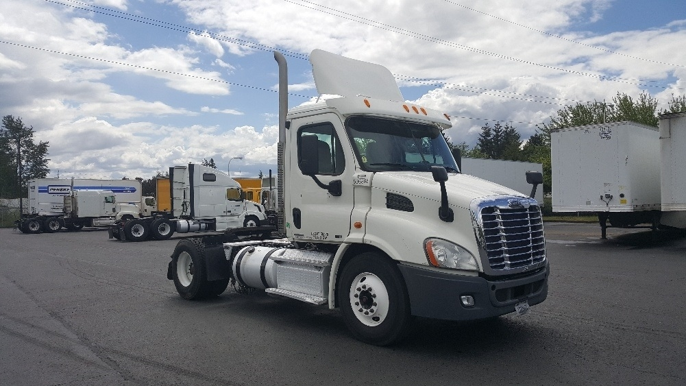 Day Cab Tractor-Heavy Duty Tractors-Freightliner-2011-Cascadia 11342ST-WILSONVILLE-OR-327,060 miles-$27,500