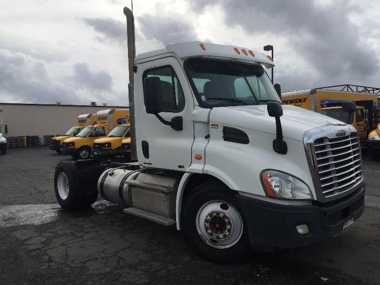 Day Cab Tractor-Heavy Duty Tractors-Freightliner-2011-Cascadia 11342ST-SANTA MARIA-CA-476,729 miles-$39,750