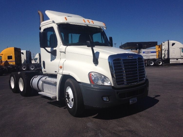 Day Cab Tractor-Heavy Duty Tractors-Freightliner-2011-Cascadia 12564ST-TULSA-OK-351,273 miles-$32,500